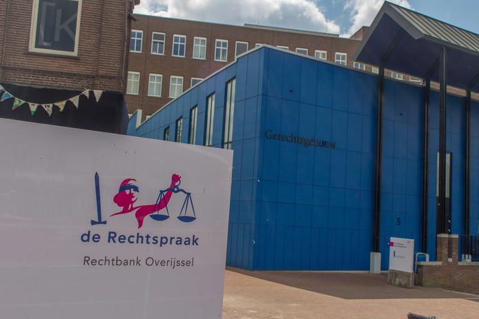Rechtbank in Almelo.