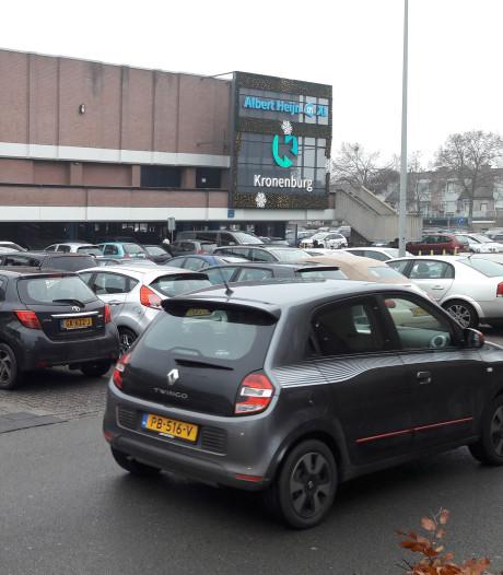 Overlast in parkeergarage: winkelcentrum Kronenburg in Arnhem-Zuid doet 's avonds hek dicht