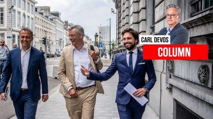 """Carl Devos: """"Al 405 dagen blijft de vraag: N-VA en/of PS?"""""""