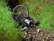 Fietser zwaargewond in sloot na aanrijding Rijsbergen