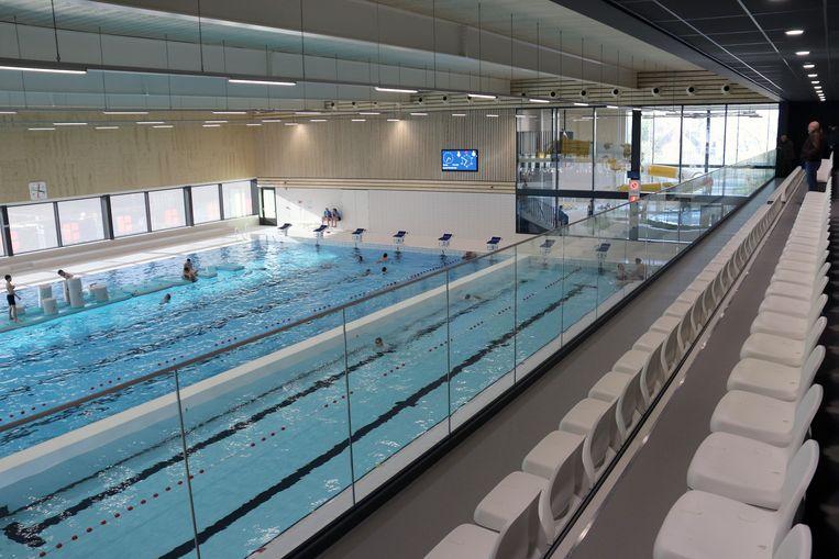 Het zwembad heeft ook een tribune