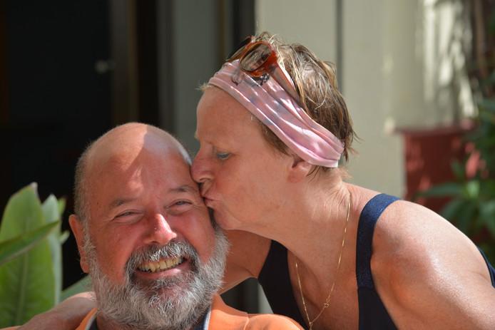 Jan Heijs en zijn afgelopen zomer overleden zus Anke Overzier-Heijs.