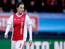 Caitlin Dijkstra uit Breda wint met Ajax beker dankzij goal in blessuretijd