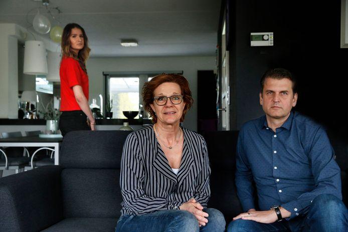 Anita en Geert Reynders samen met hun dochter Anna: ,,We blijven waarschuwen.''