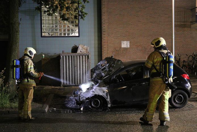 Auto volledig uitgebrand in IJsselstein