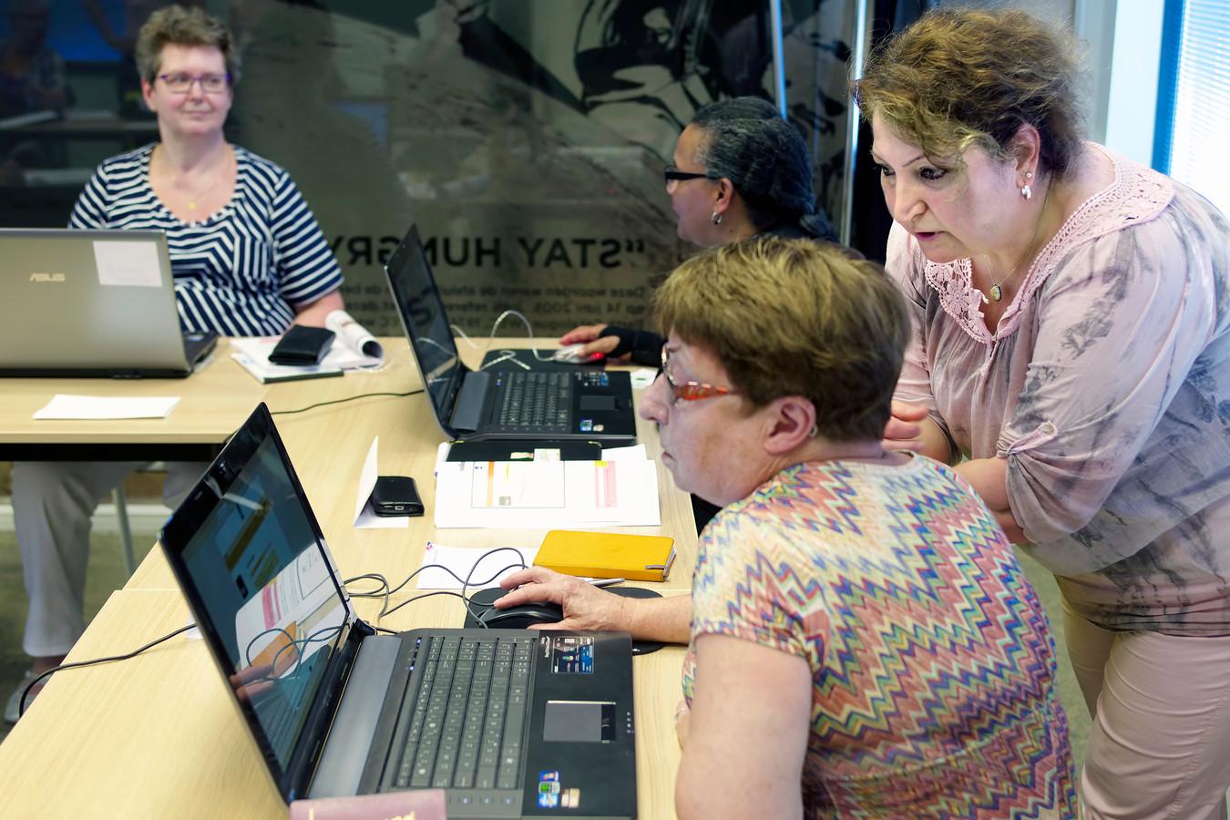 De nieuwste digitale ontwikkelingen halen werknemers soms links en rechts in.