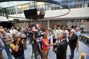 De Apeldoornse burgemeester John Berends stond ook de pers te woord over de situatie.