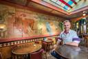 Eigenaar Sander Letschert in Grand Café Central.