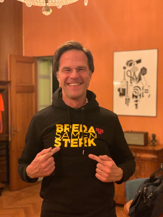 Premier Mark Rutte in hoody 'Breda Samen Sterk'