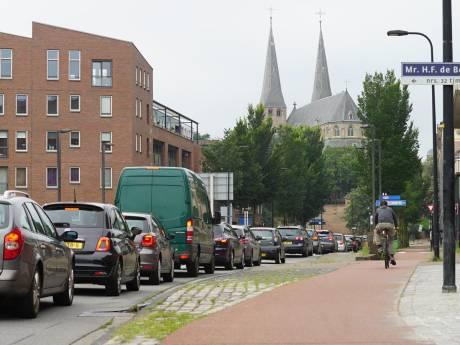 Files A1 bij Deventer: 'Kort maar hevig, verkeer moet door deze pijn heen'
