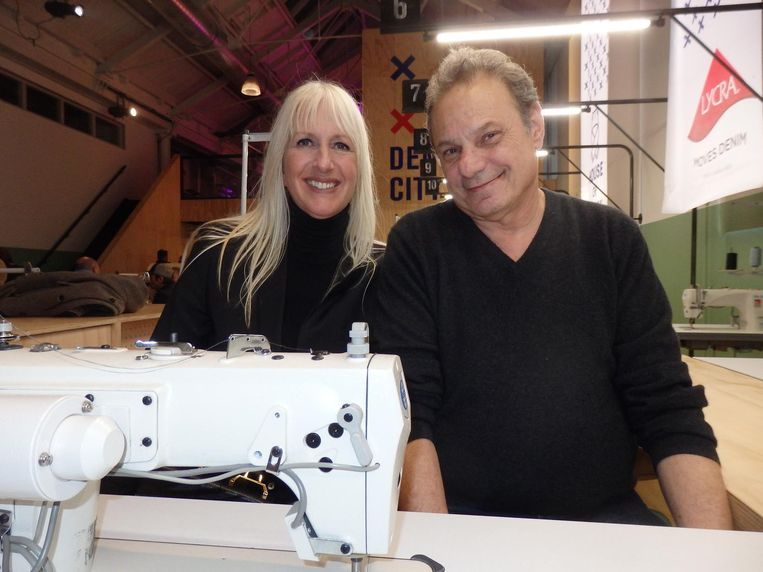 Organisator Mariette Hoitink en Andrew Olah van de Kingpins Show, een mondiale stoffenbeurs. Hoitink wordt ook wel eens de denimkoningin van Nederland genoemd Beeld Schuim
