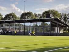 Margriet niet blij met voetballers die tot laat op complex in Oss rondhangen
