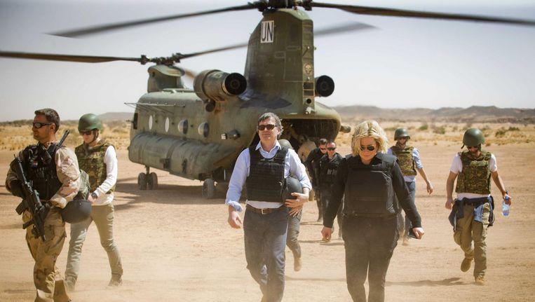 Minister Jeanine Hennis-Plasschaert bezocht de Nederlandse troepen in Mali in februari. Beeld anp