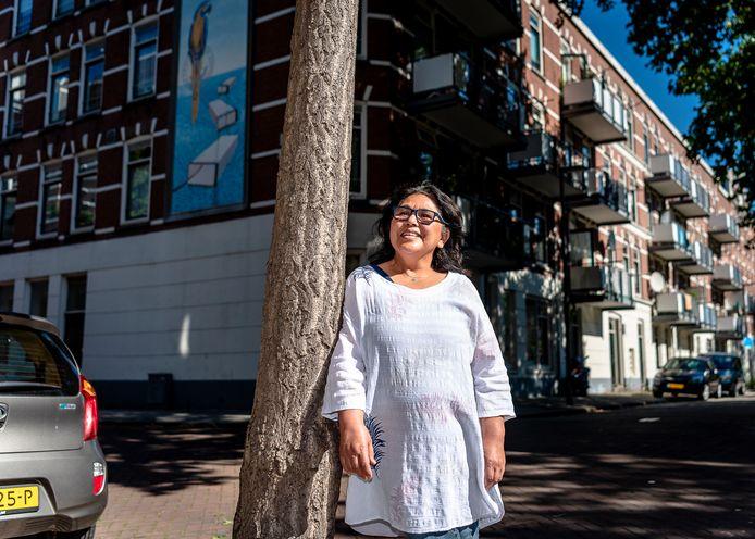 Fica Djohani van de Advieslijn Woonoverlast en Buurtbemiddeling Rotterdam.