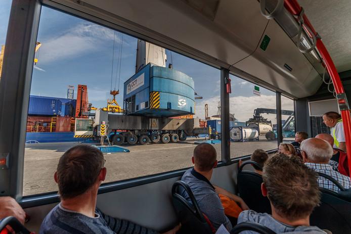 Zicht op industrieterrein Moerdijk tijdens de open dag in 2018.