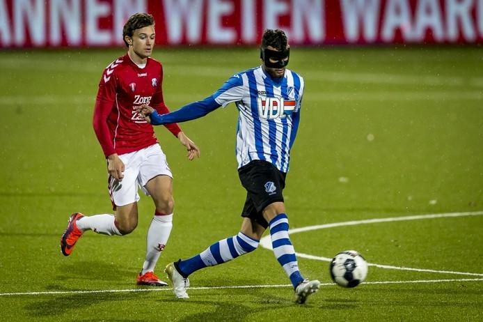Rai Vloet speelde met een speciaal aangemeten masker nadat hij eerder een jukbeen had gebroken.