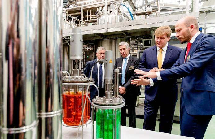 Koning Willem-Alexander bij de viering van het 50-jarig jubileum van Koppert Biological Systems.