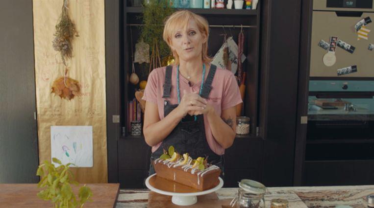 Sofie Dumont maakt gin-toniccake.