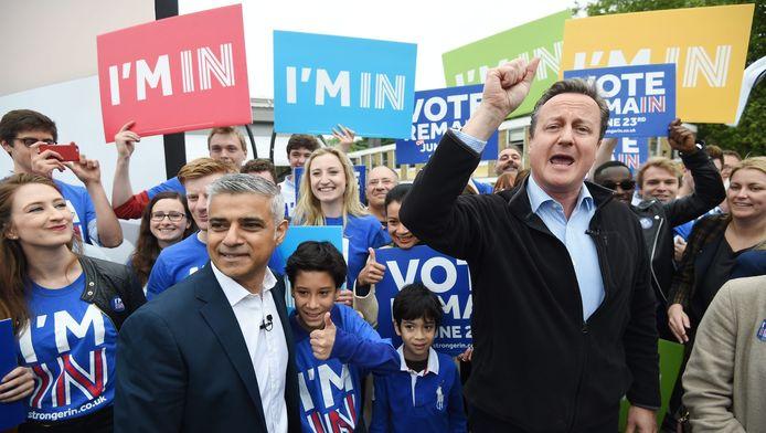 Sadiq Khan et David Cameron en campagne pour le maintien du Royaume-Uni dans l'UE à Londres, le 30 mai 2016.