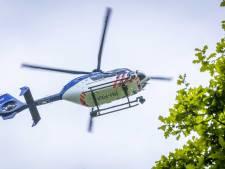 Politiehelikopter vliegt boven Gouda na melding over incident met vuurwapen op Lekkenburg