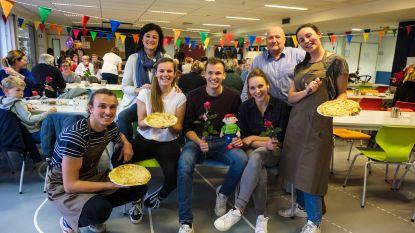 Michiel De Meyer bakt pannenkoeken voor Villa Rozenrood