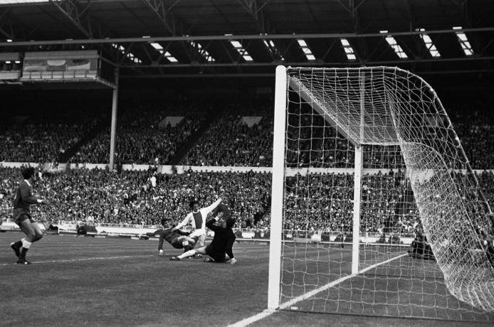 Beeld van Johan Cruijff uit de EC1-finale van 1971 tegen Panathinaikos.