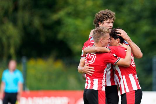 Feest bij PSV na de 2-0.