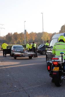 18 auto's in beslag genomen en 16 mille geïnd op parkeerplaats bij McDonald's in Cuijk