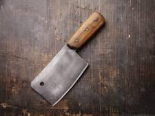 Duitse man hakt met bijl en slagersmes in op echtgenote