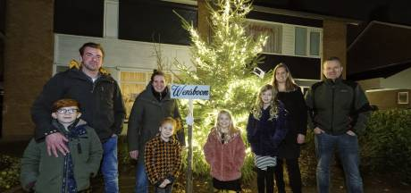 Schijndel heeft eigen wensboom, 'Ik wens dat we weer kunnen knuffelen'