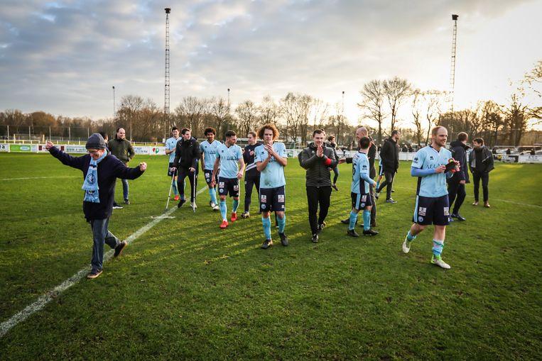 Feest bij Zonhoven United na het behalen van de tweede periodetitel.
