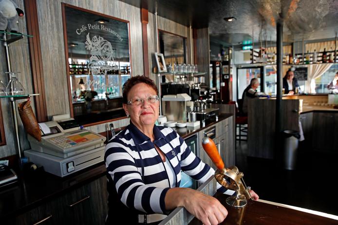 Hanny van Bloppoel neemt vanavond na een kwart eeuw afscheid van haar café Ma-Bel.