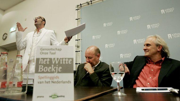 Bart Chabot bij de presentatie van het Witte Boekje in 2006. Beeld anp