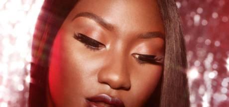 Aya Nakamura sort une collection de maquillage avec M.A.C