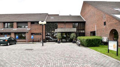 Denderstroom en gemeente slaan handen in elkaar: 300 zonnepanelen op dak rusthuis en inwoners kunnen mee participeren