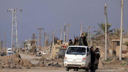 """""""IS-strijders blokkeren straten om 2.000 burgers tegen te houden te vluchten uit laatste bolwerk"""""""