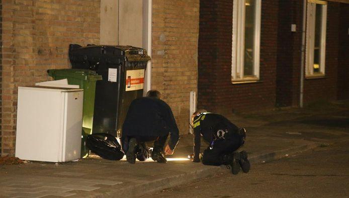Politie doet onderzoek naar schietpartij in de Pizzarostraat in Den Bosch.