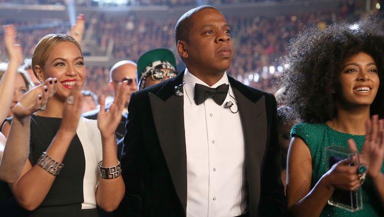 Beyoncé, Jay-Z en Solange voor het gevecht in 2013.