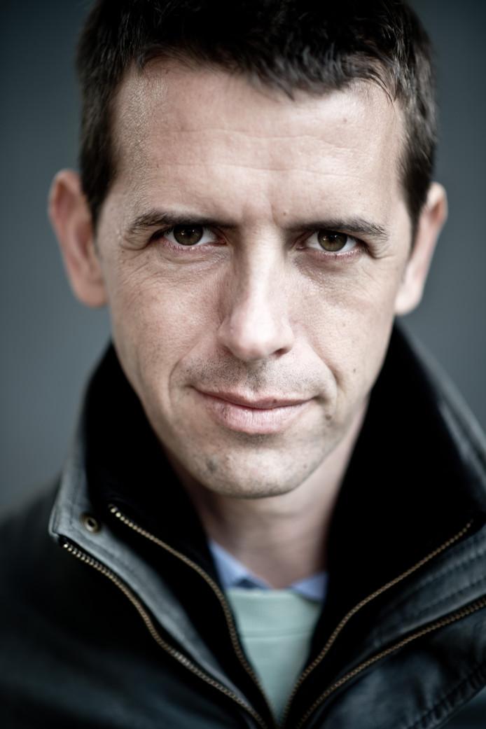 Stef Biemans, geboren en getogen in de Nijmeegse wijk Bottendaal en bekend als documentairemaker bij de VPRO presenteert zijn nieuwe documentaire bij De 24 Uur van Nijmegen.