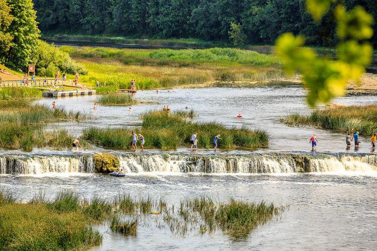 De  240 meter brede Ventas Rumba waterval bij de Letse plaats Kuldiga.  Beeld Ruben Drenth
