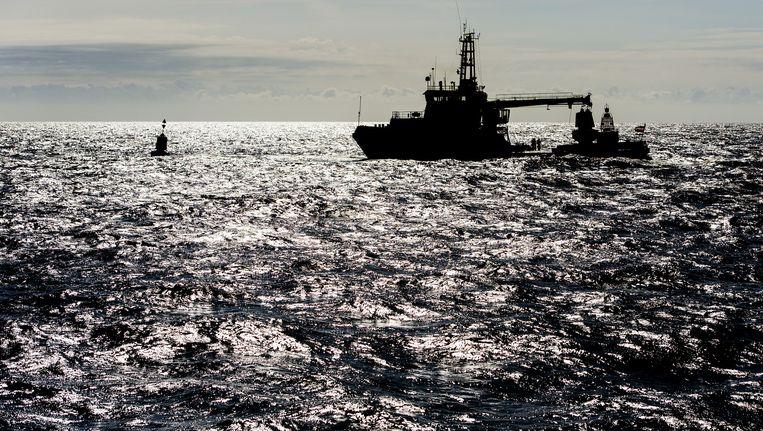 Archieffoto van de kustwacht. Nederlandse reddingsboten helpen ook mee. Beeld anp