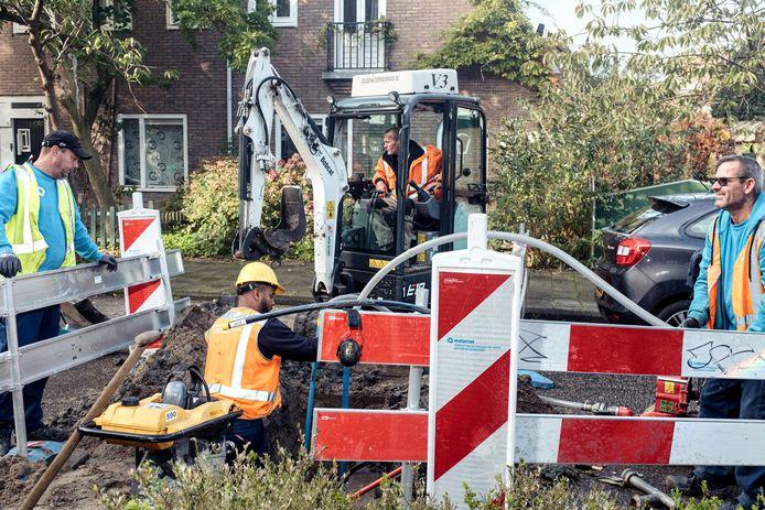 Aanleg van een individuele wateraansluiting in de Hensbroekerstraat in Tuindorp Nieuwendam.