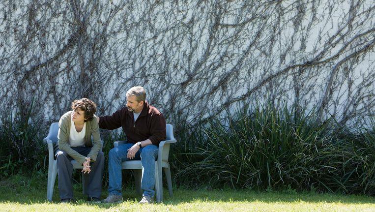 Steve Carell als vader David met zijn zoon Nic (Timothée Chalamet) in Beautiful Boy Beeld