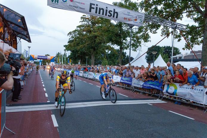 Vorig jaar won sprinter Dylan Groenewegen het Spektakel van Steenwijk