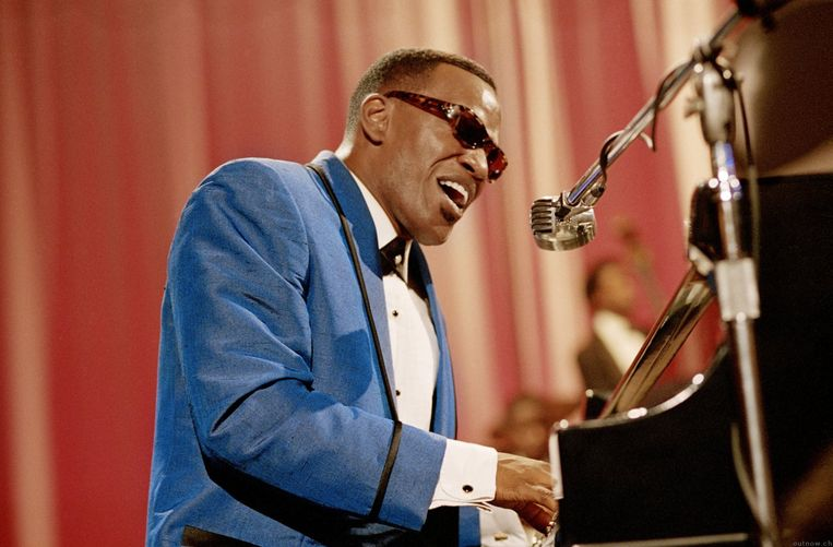 Jamie Foxx als Ray Charles in Ray. Beeld