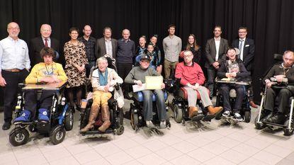 Jozef Boone krijgt trofee voor Sportverdienste