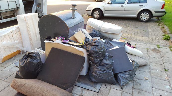Met de nieuwe maatregel hoopt de gemeente het dumpen van grof huishoudelijk afval in de openbare ruimte tegen te gaan.