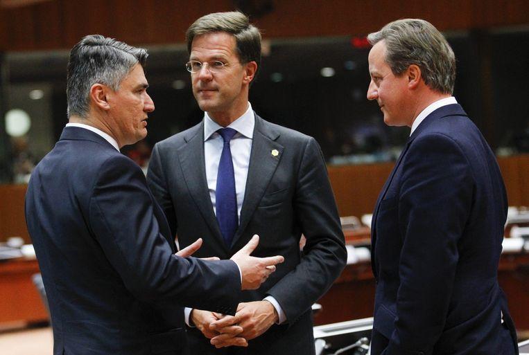 De premiers Zoran Milanovic (Kroatië, L-R), Mark Rutte (Nederland) en David Cameron (Verenigd Koninkrijk) Beeld anp