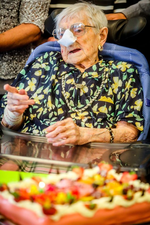 Sijsele Damme: oudste inwoonster van West Vlaanderen Rachel Neyt