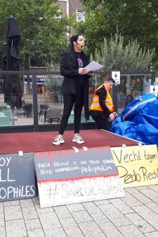 Demonstratie anti-pedogroep in Nijmegen: 'Zo'n afspraak met een 14-jarig meisje, dat kan natuurlijk niet'